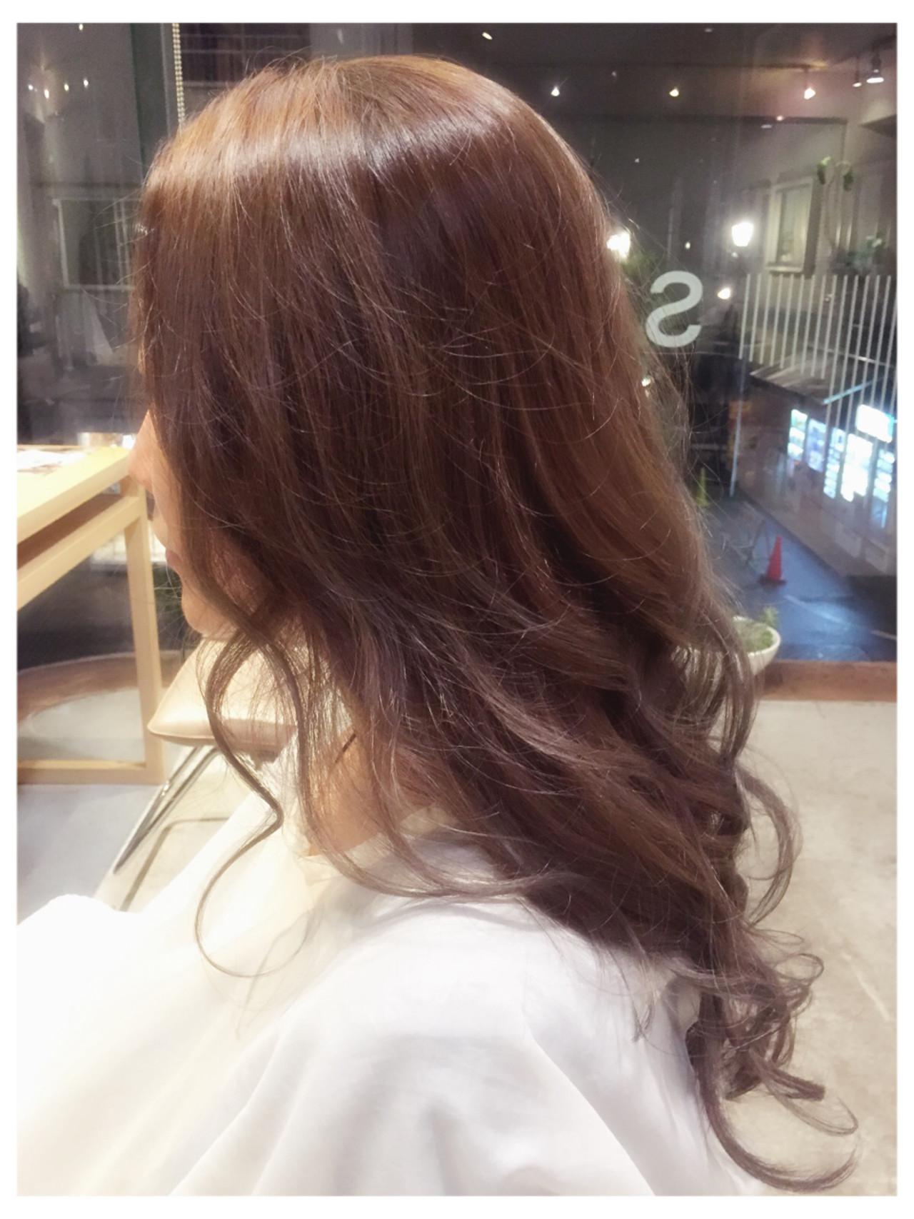 モード グレージュ スモーキーアッシュ 外国人風 ヘアスタイルや髪型の写真・画像 | 黒澤貴裕 / SORA