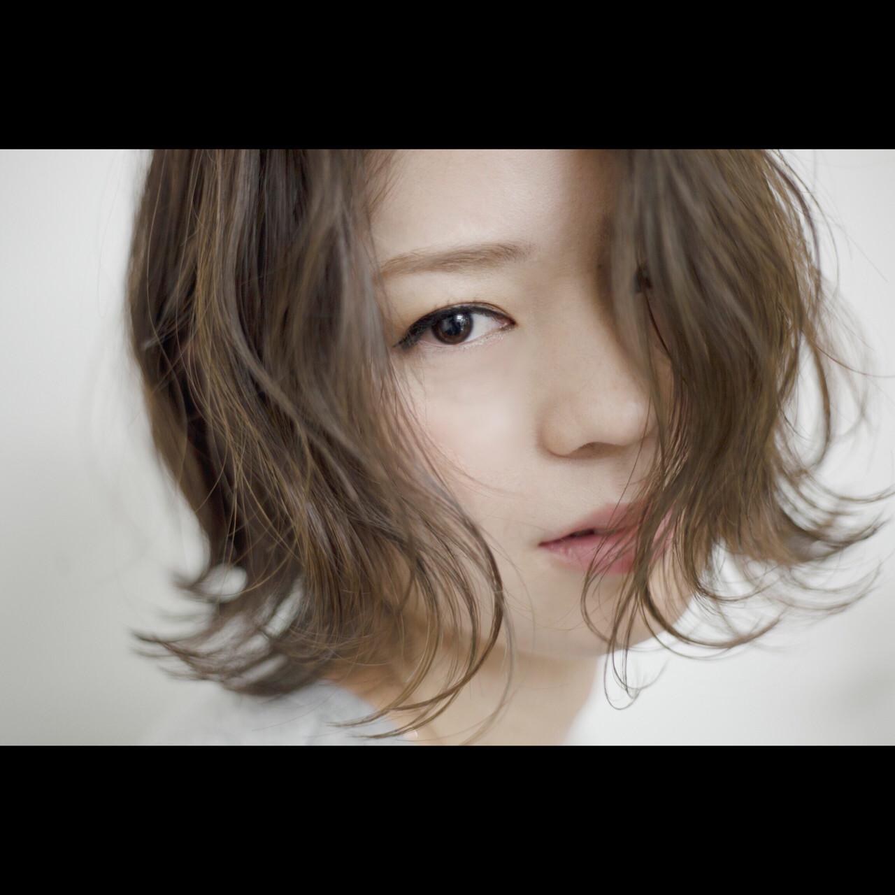 外国人風 ナチュラル ボブ アッシュ ヘアスタイルや髪型の写真・画像   桑田 大介 / MAGNOLiA