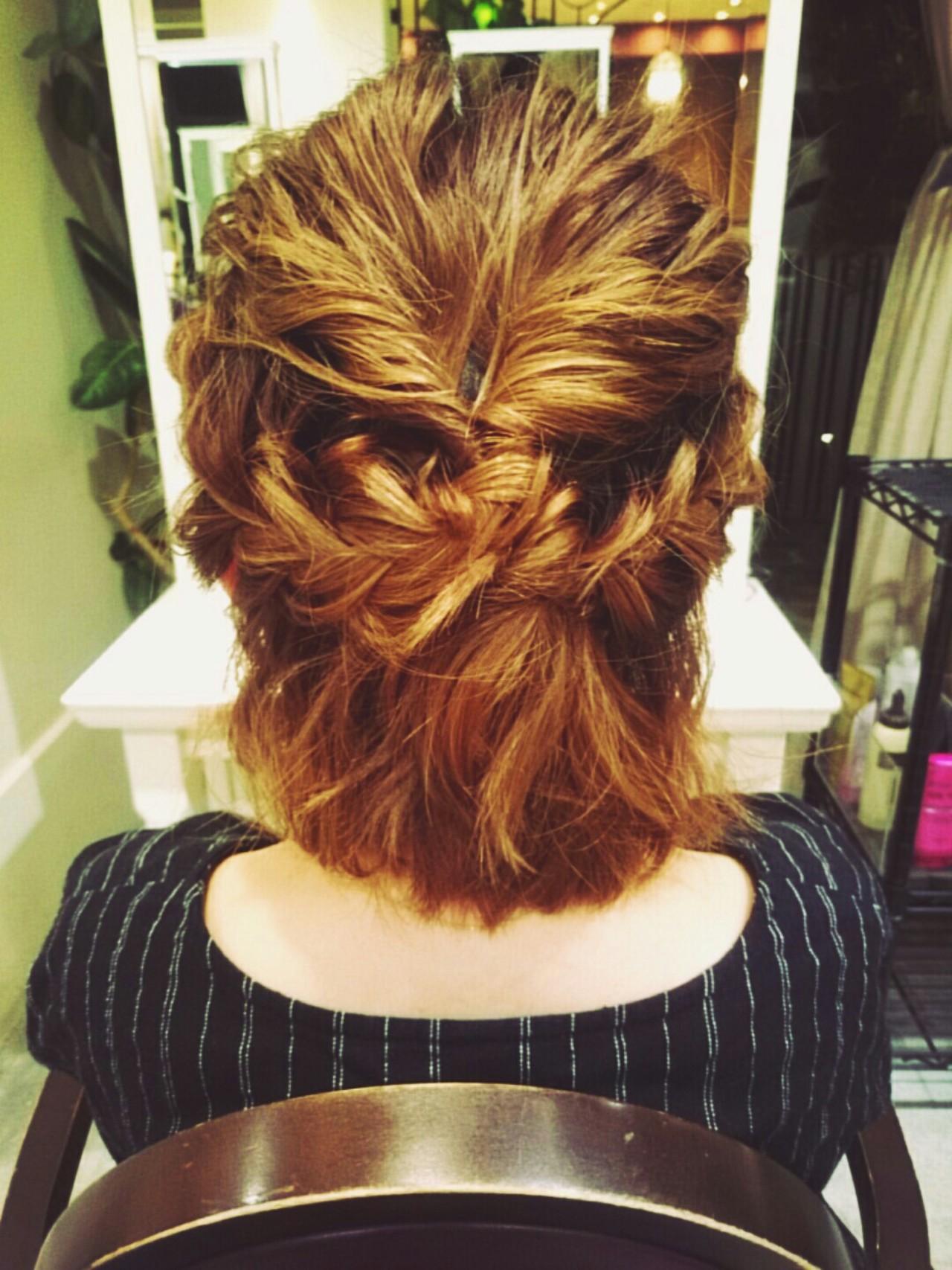 大人女子 ショート 簡単ヘアアレンジ ハイトーン ヘアスタイルや髪型の写真・画像 | まりえ / 花やの前の美容室