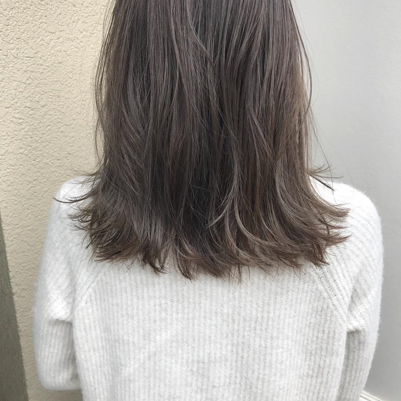 ミディアム ナチュラル 外ハネ 切りっぱなし ヘアスタイルや髪型の写真・画像 | KENTO.NOESALON / NOE SALON