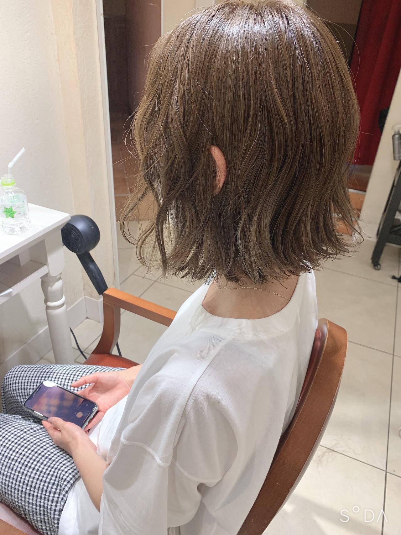 ショートヘア インナーカラー ボブ ナチュラル ヘアスタイルや髪型の写真・画像 | 宮川好江 / Euphoria SHIBUYA GRANDE