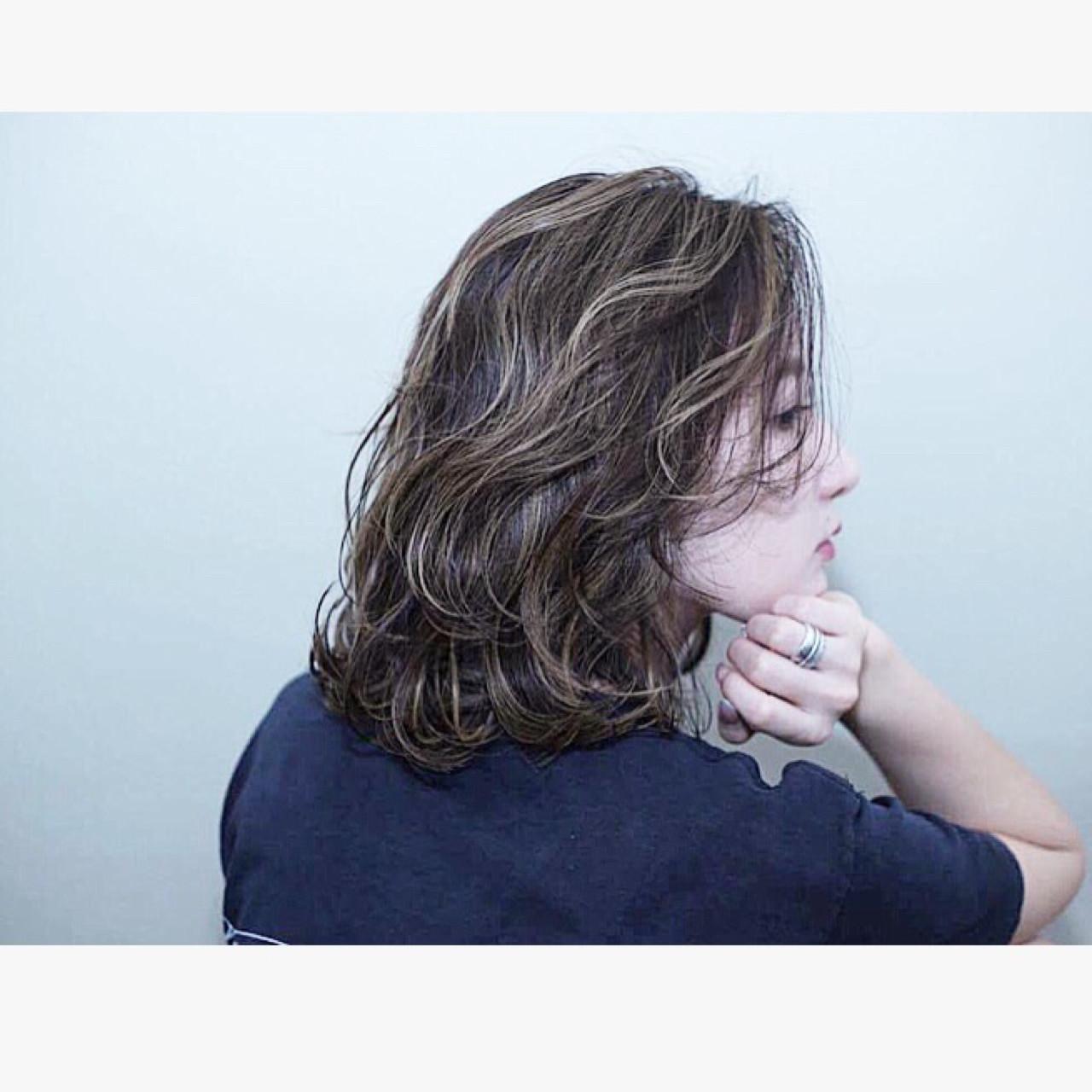 外ハネ バレイヤージュ ダブルカラー 外国人風カラー ヘアスタイルや髪型の写真・画像 | marina /