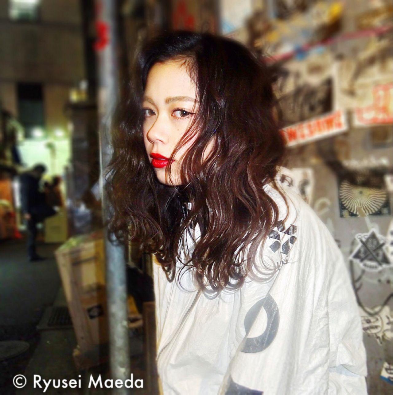 ストリート 暗髪 ウェーブ ウェットヘア ヘアスタイルや髪型の写真・画像 | Ryusei Maeda / free