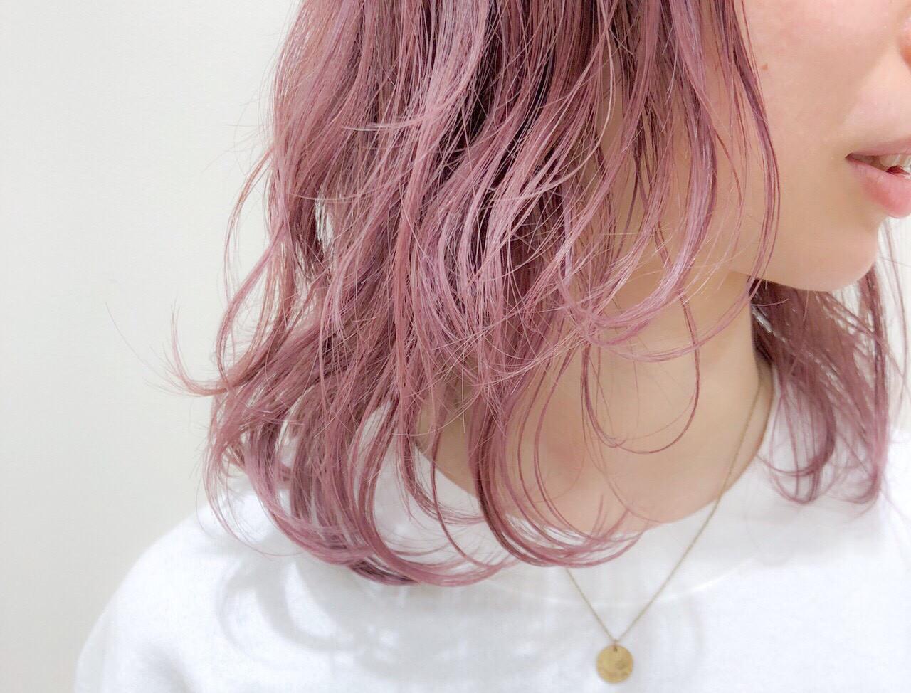 ブリーチ ミディアム 透明感 フェミニン ヘアスタイルや髪型の写真・画像 | 坪井佑樹 / モリオフロムロンドン