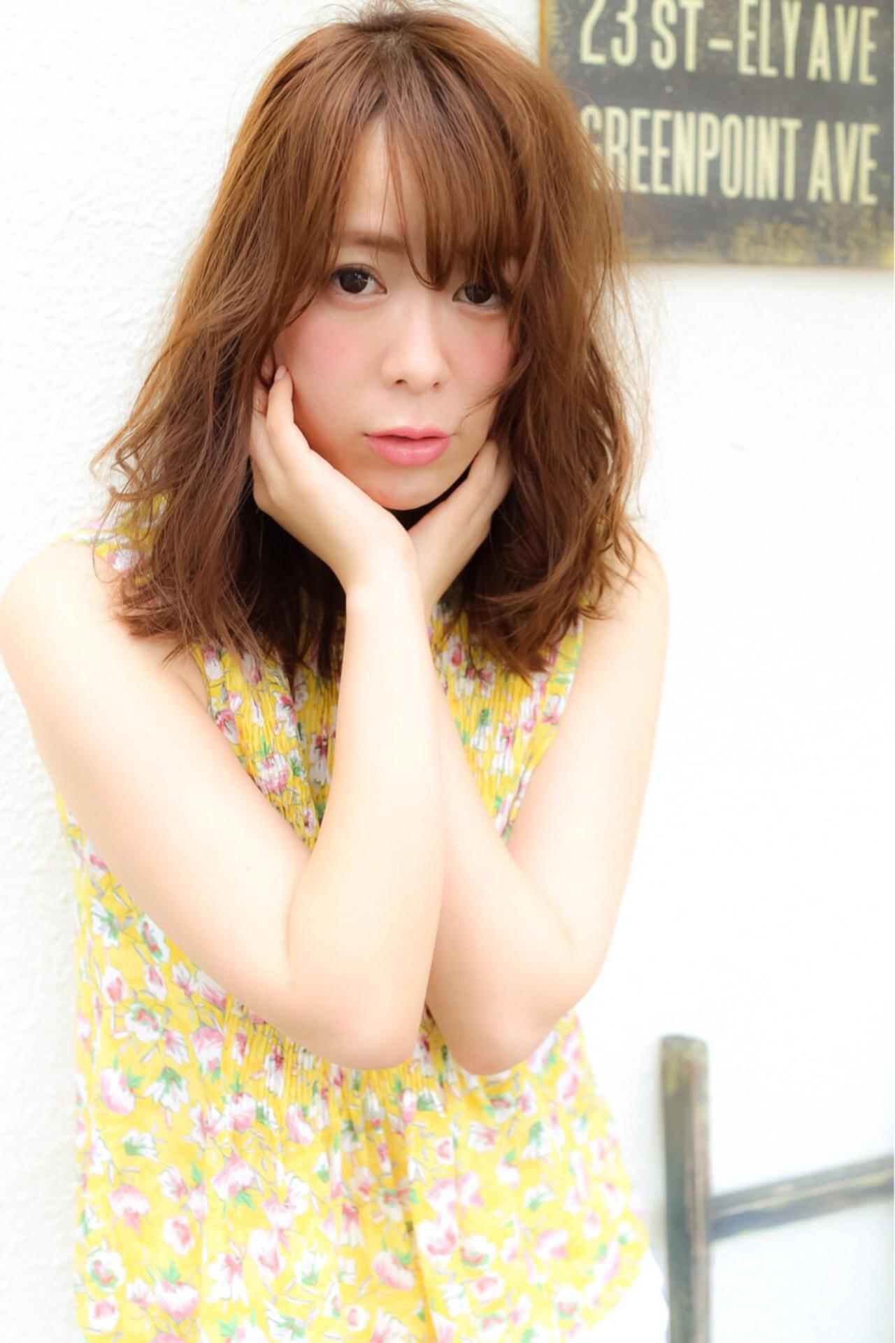 ナチュラル 外国人風 ワイドバング フェミニン ヘアスタイルや髪型の写真・画像 | 黒田 卓磨/musashi / souvenir(スーベニール)