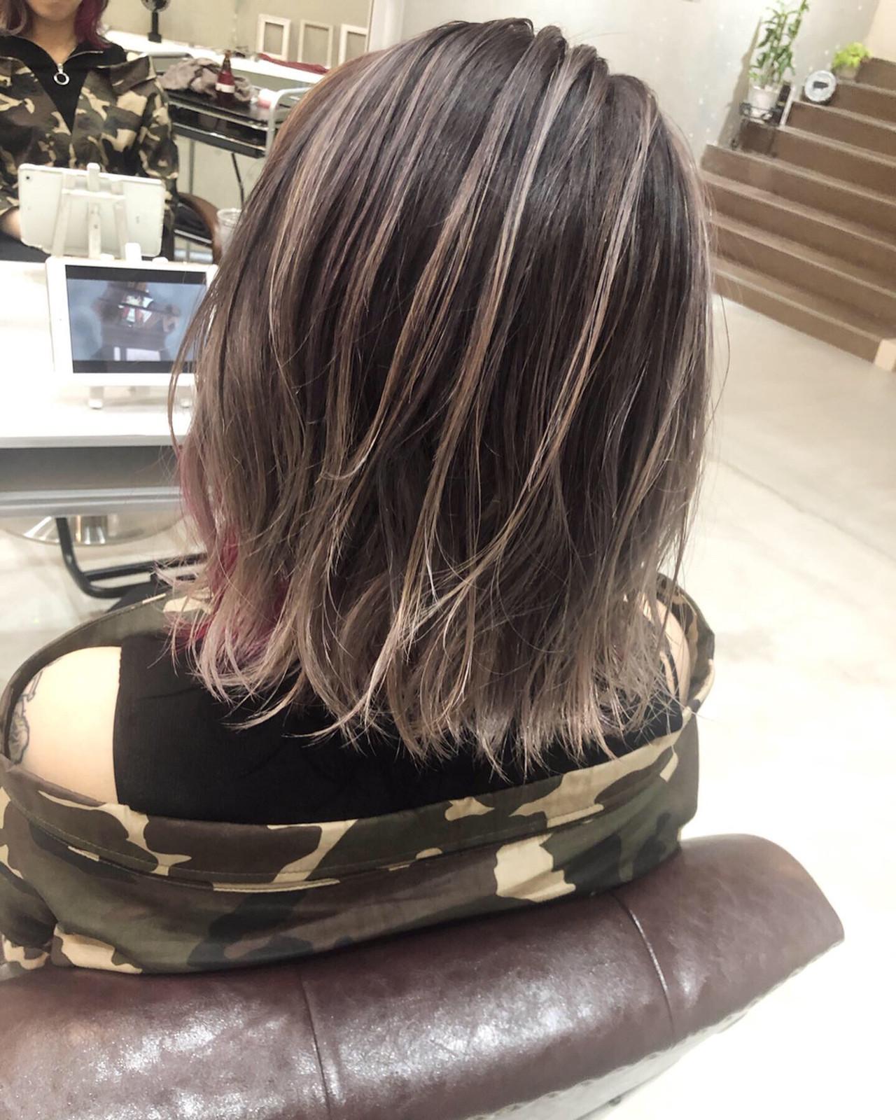 ミディアム インナーカラーパープル バレイヤージュ ハイライト ヘアスタイルや髪型の写真・画像   田渕 英和/vicushair / vicushair
