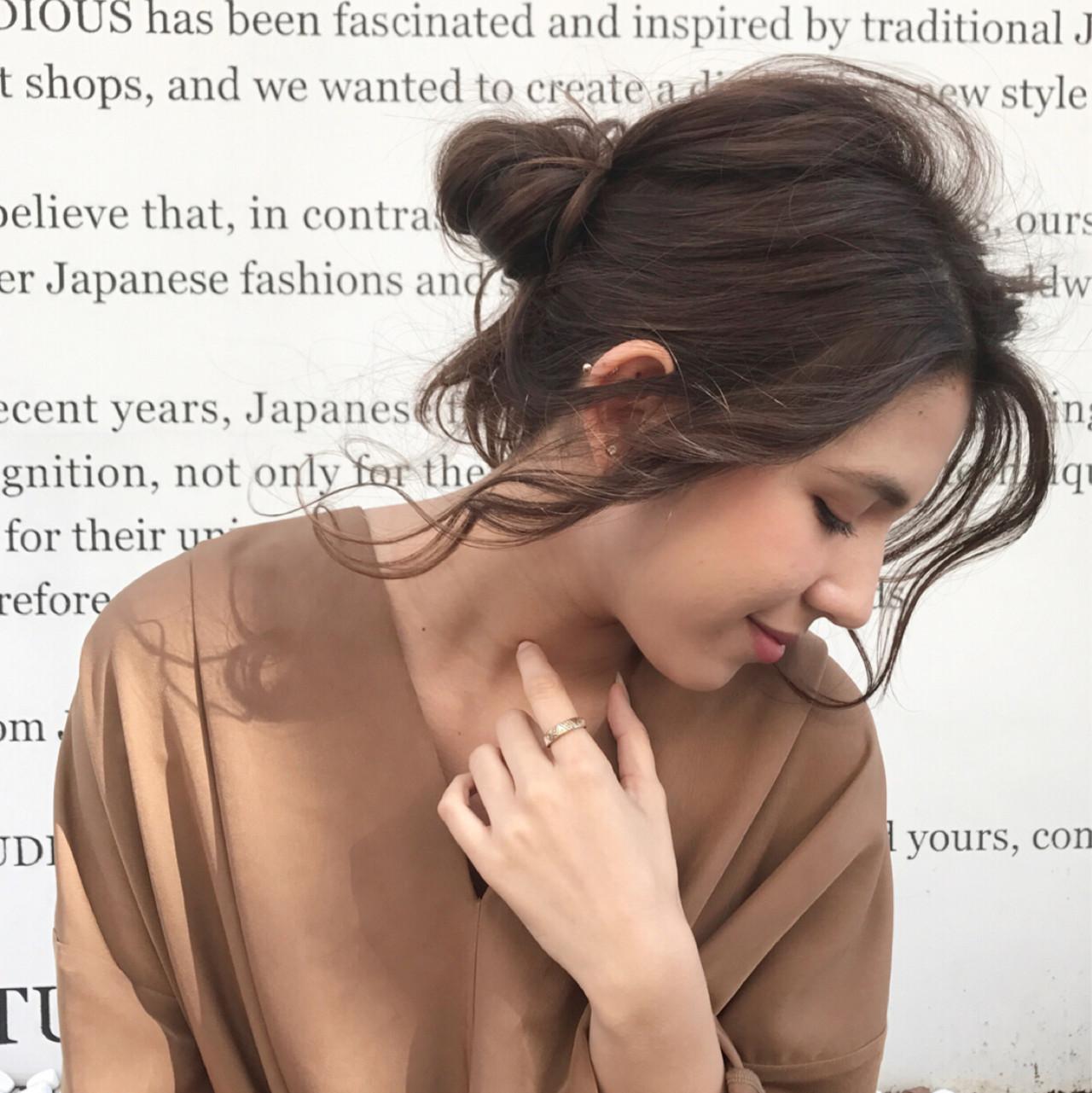 ヘアアレンジ セミロング お団子 ゆるふわ ヘアスタイルや髪型の写真・画像 | Daichi shimazu / hairsalon M 大宮