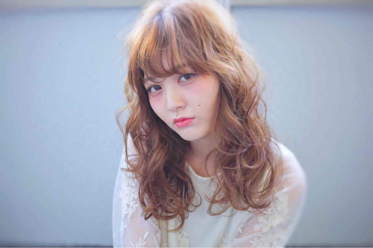 ハイトーン セミロング ガーリー パーマ ヘアスタイルや髪型の写真・画像 | 宮崎 沙織 /