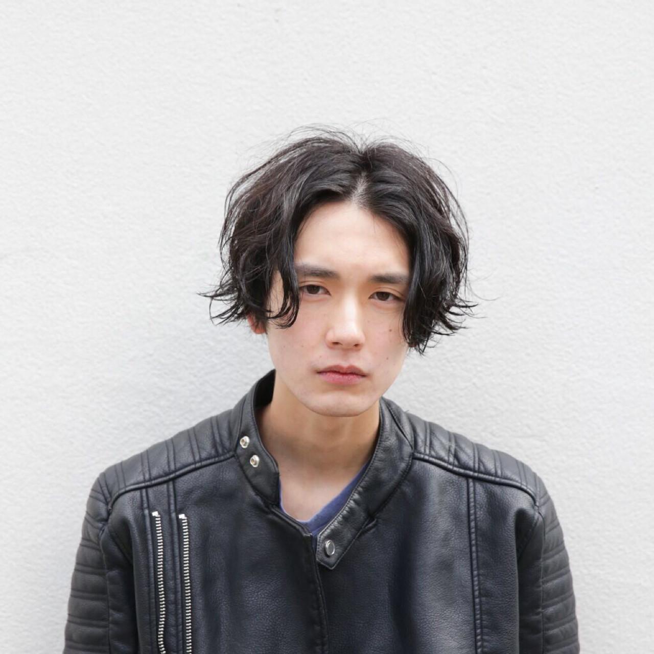 ボーイッシュ マッシュ ストリート 黒髪ヘアスタイルや髪型の写真・画像