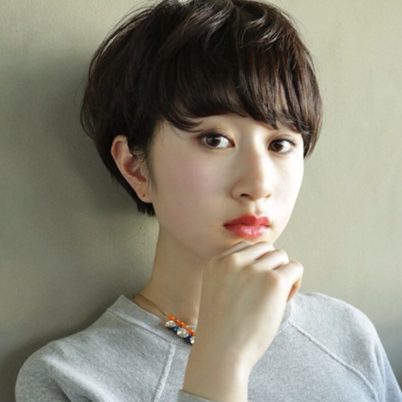 【スタイル特集】印象派美人になれる髪型=黒髪ショート×パーマスタイル? 高橋 忍