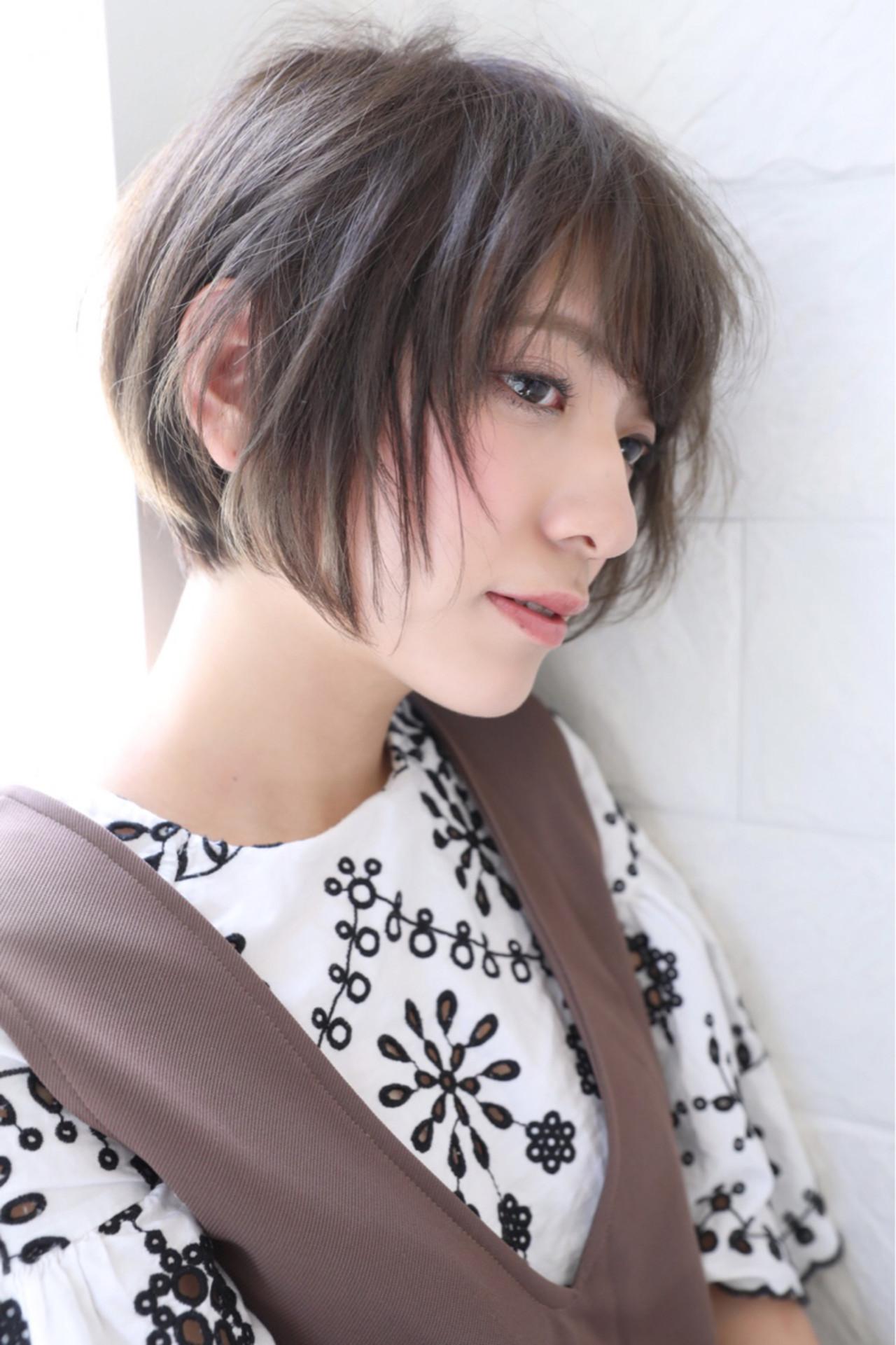 ショート アッシュ 前髪あり ショートボブヘアスタイルや髪型の写真・画像