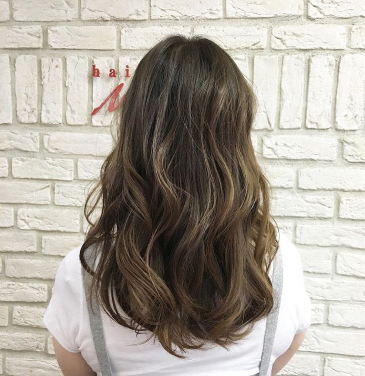 ナチュラル グレージュ イルミナカラー グラデーションカラーヘアスタイルや髪型の写真・画像