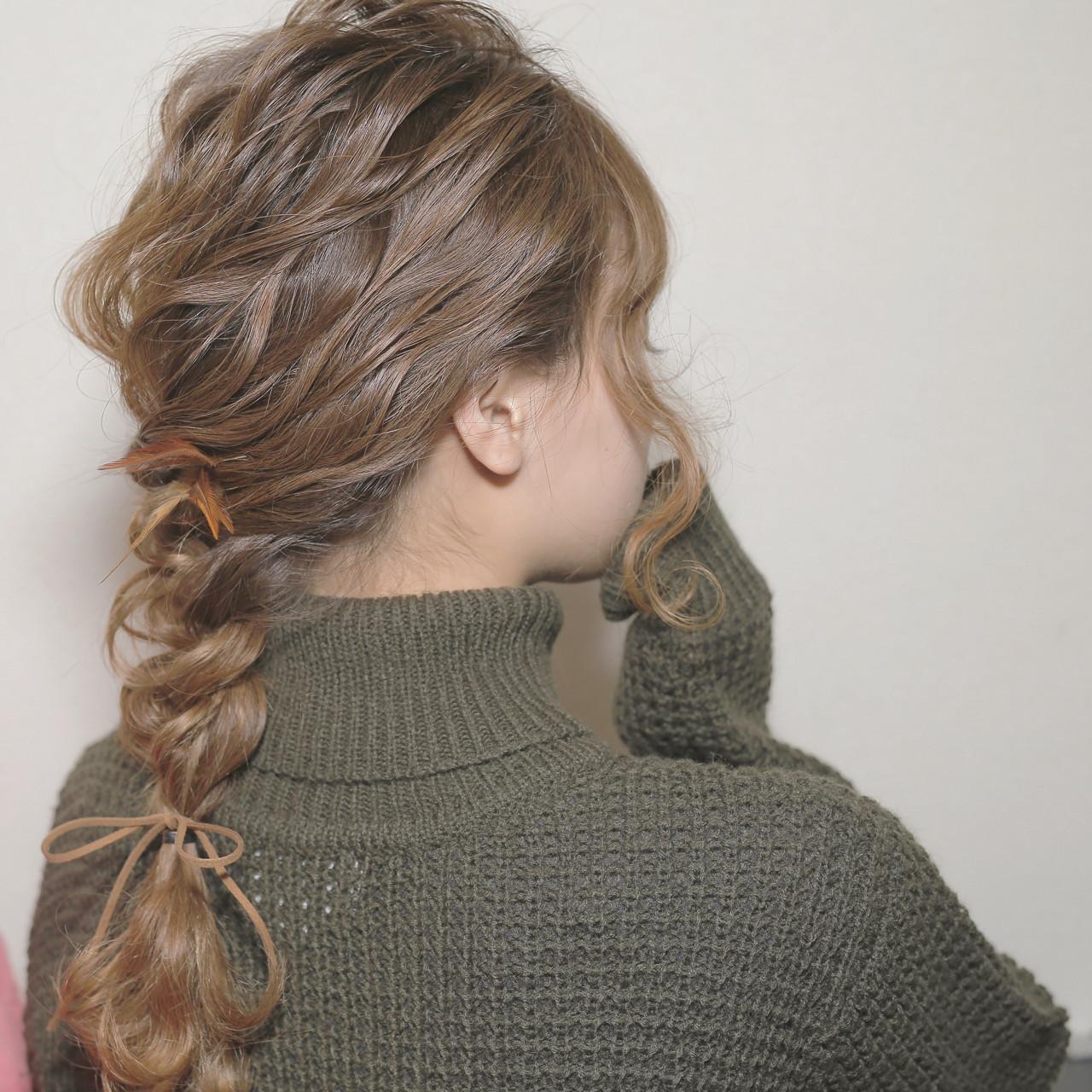 フェミニン セミロング モテ髪 ヘアアレンジ ヘアスタイルや髪型の写真・画像 | chiaki / magnet hair