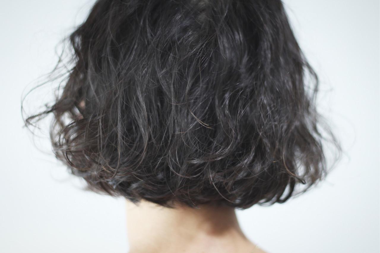 パーマ シルバーアッシュ ナチュラル ボブ ヘアスタイルや髪型の写真・画像 | creap / creap