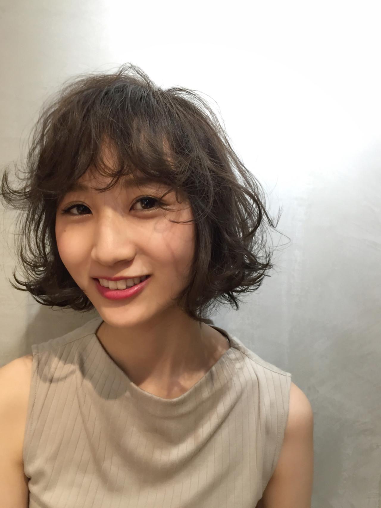 パーマ ヘアアレンジ 大人かわいい ナチュラル ヘアスタイルや髪型の写真・画像 | Ninomiya Takashi / Grege
