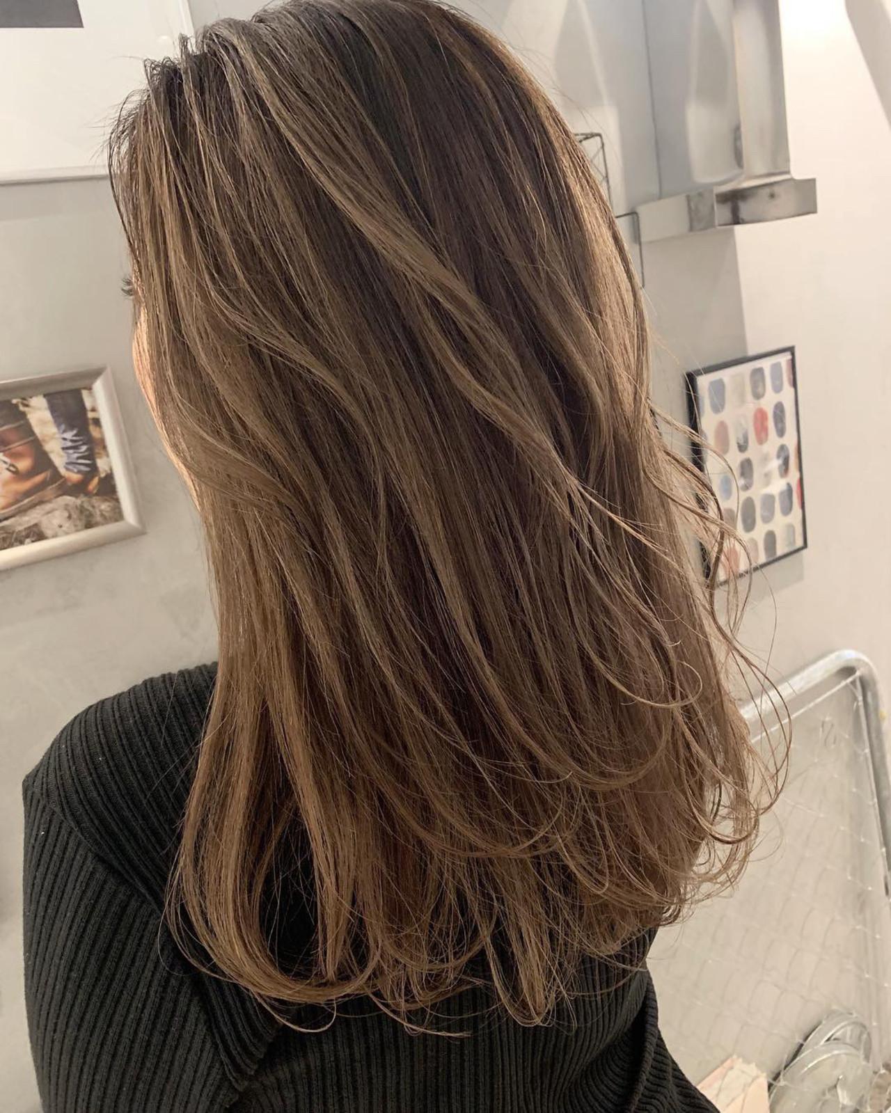 ナチュラル ベージュ ミルクティーベージュ アンニュイほつれヘアヘアスタイルや髪型の写真・画像
