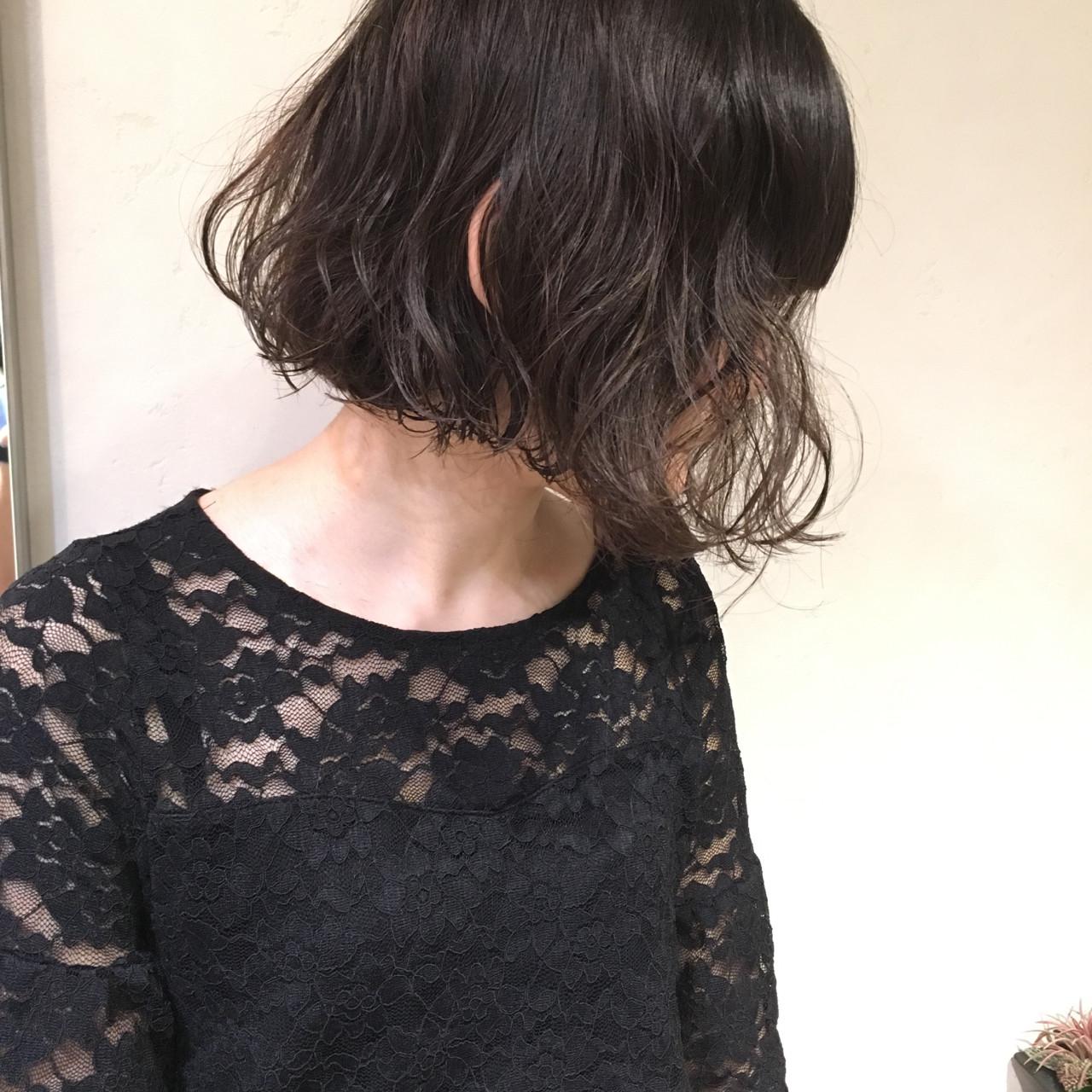 小顔 ウェーブ ニュアンス こなれ感 ヘアスタイルや髪型の写真・画像 | 日野 達也 / GO TODAY  SHAiRE SALON