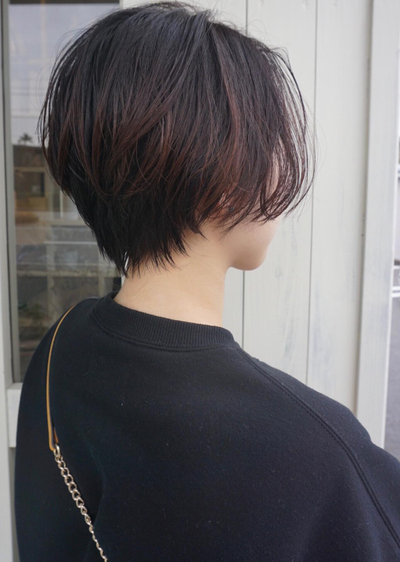 小顔ショート ナチュラル ショート ゆる巻きヘアスタイルや髪型の写真・画像