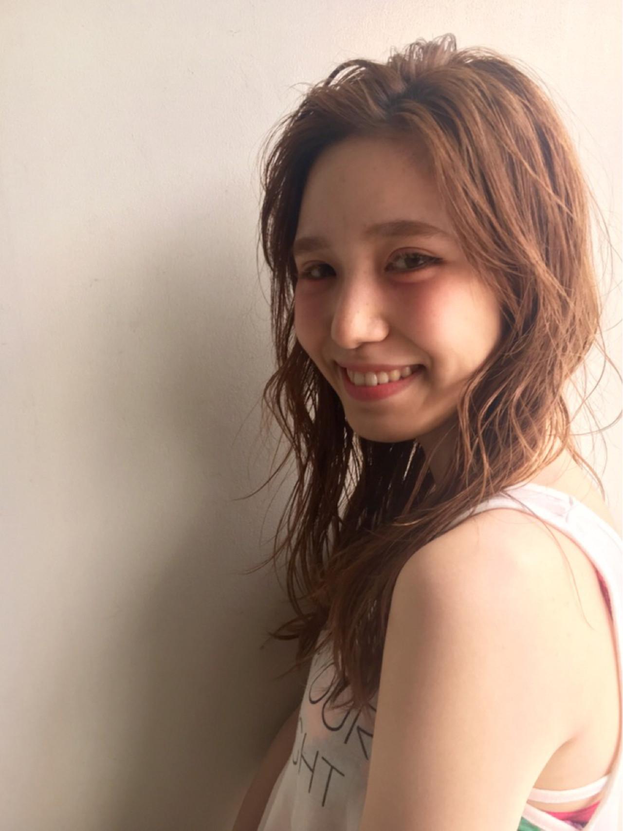 レディース くせ毛風 ゆるふわ 夏 ヘアスタイルや髪型の写真・画像 | 井上博貴 / assort(アソート)