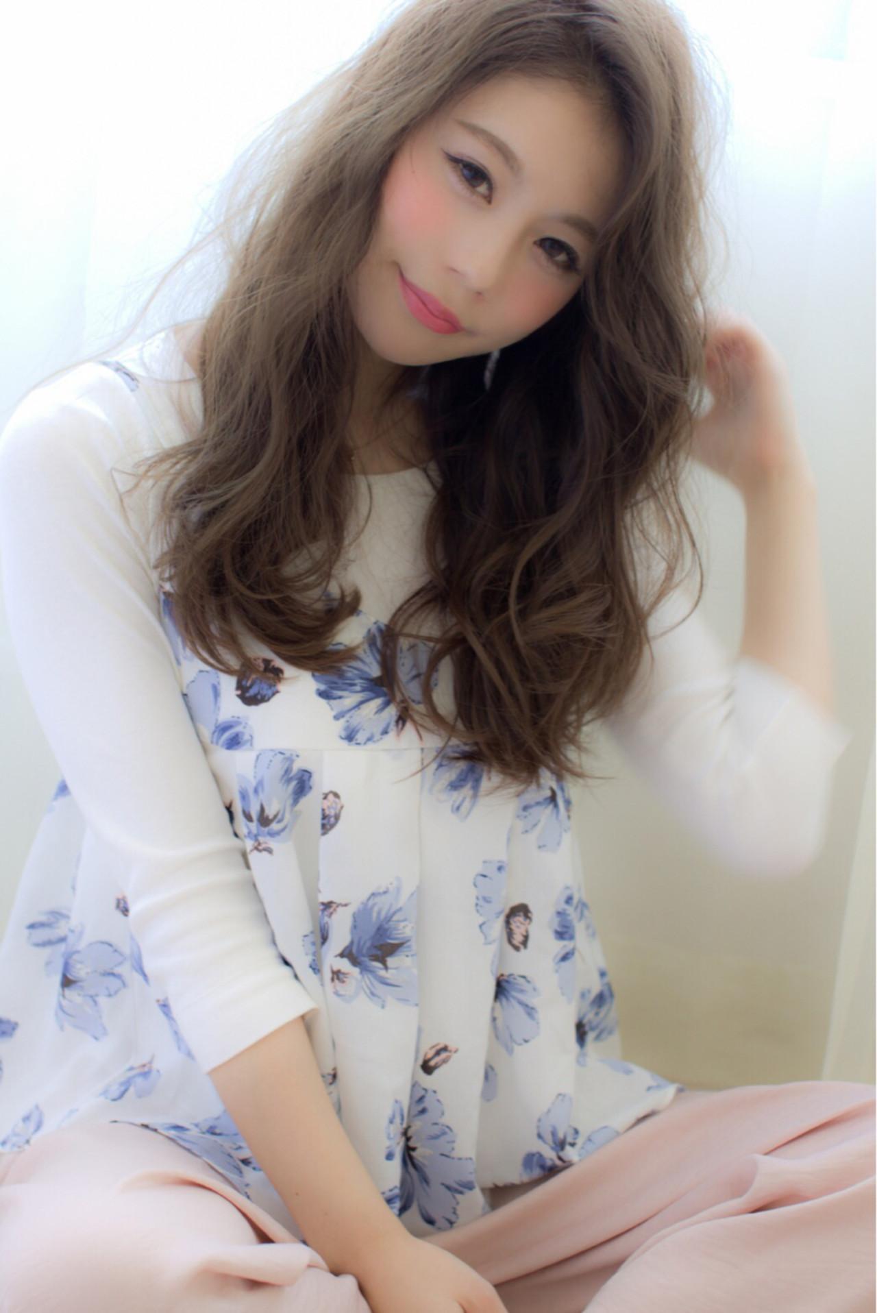 アッシュ パーマ ロング 外国人風 ヘアスタイルや髪型の写真・画像   早川 宏介 / LOUIMADNA栄