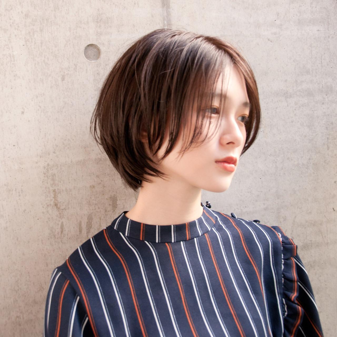 ボブ 大人女子 センターパート ショートヘアスタイルや髪型の写真・画像