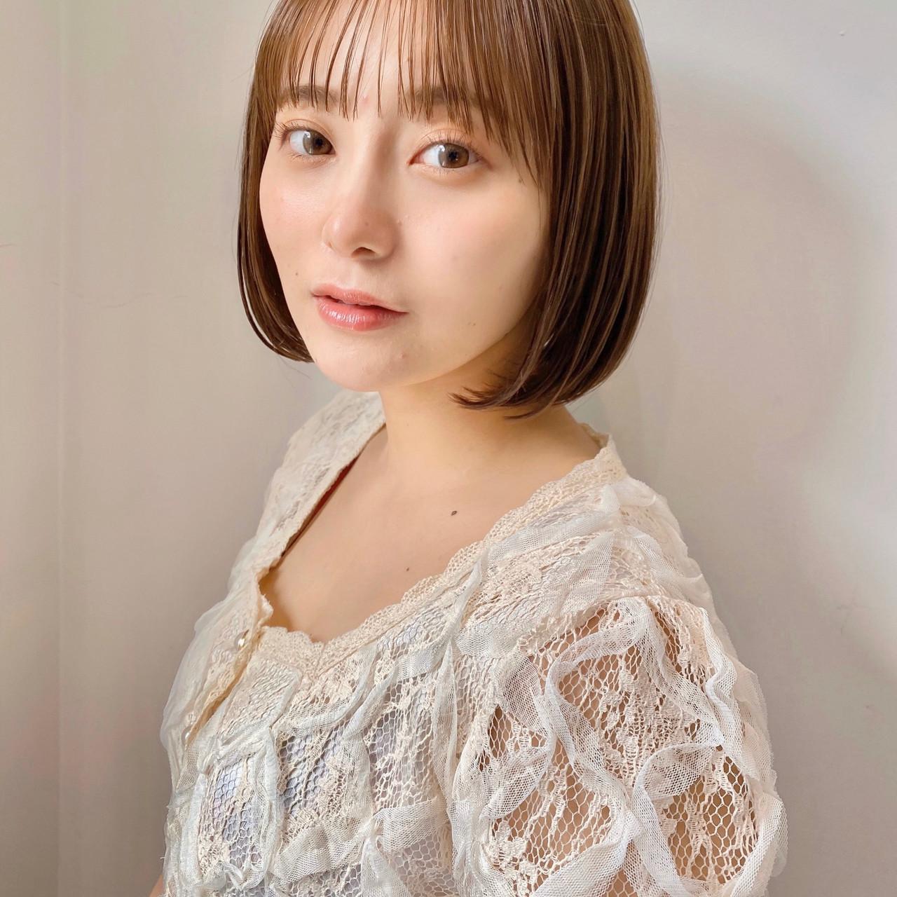 インナーカラー ミニボブ 切りっぱなしボブ ショートヘア ヘアスタイルや髪型の写真・画像 | ウキタ / GOTODAYSHAiRESALON