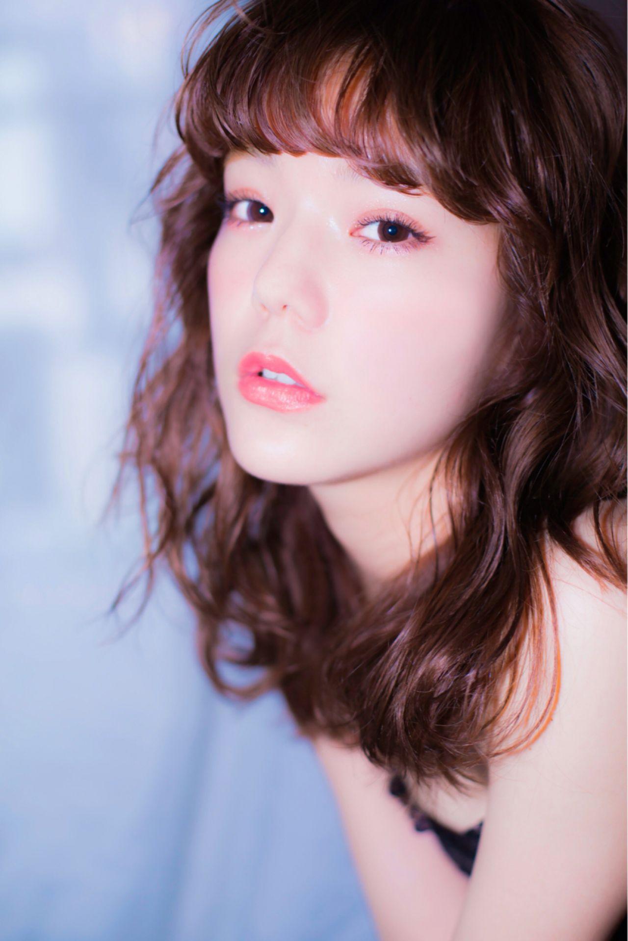 モテる女子は実践中!可愛すぎる黒髪ミディアムパーマ12選♡ 久保 雄司
