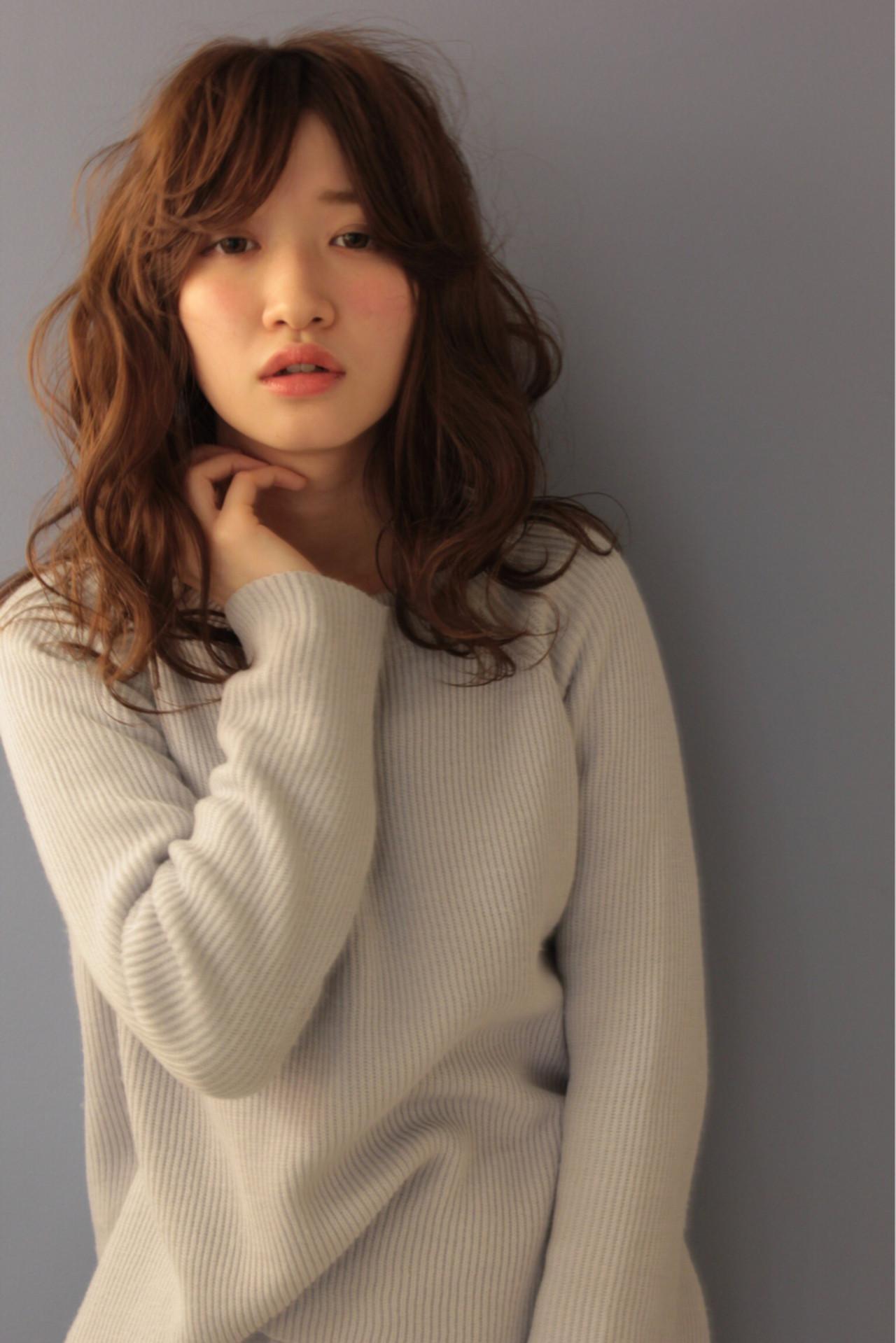 ブラウン 外国人風 ゆるふわ フェミニン ヘアスタイルや髪型の写真・画像   渡会佳奈 / RUALA