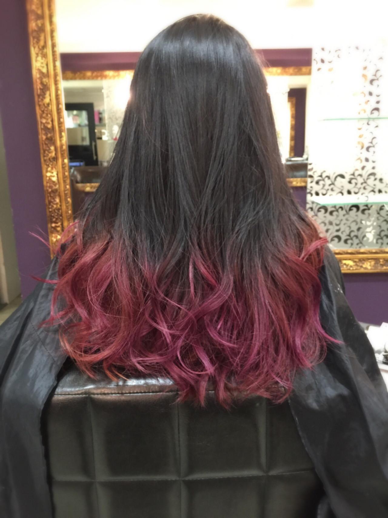 ロング ストリート グラデーションカラー ピンクヘアスタイルや髪型の写真・画像