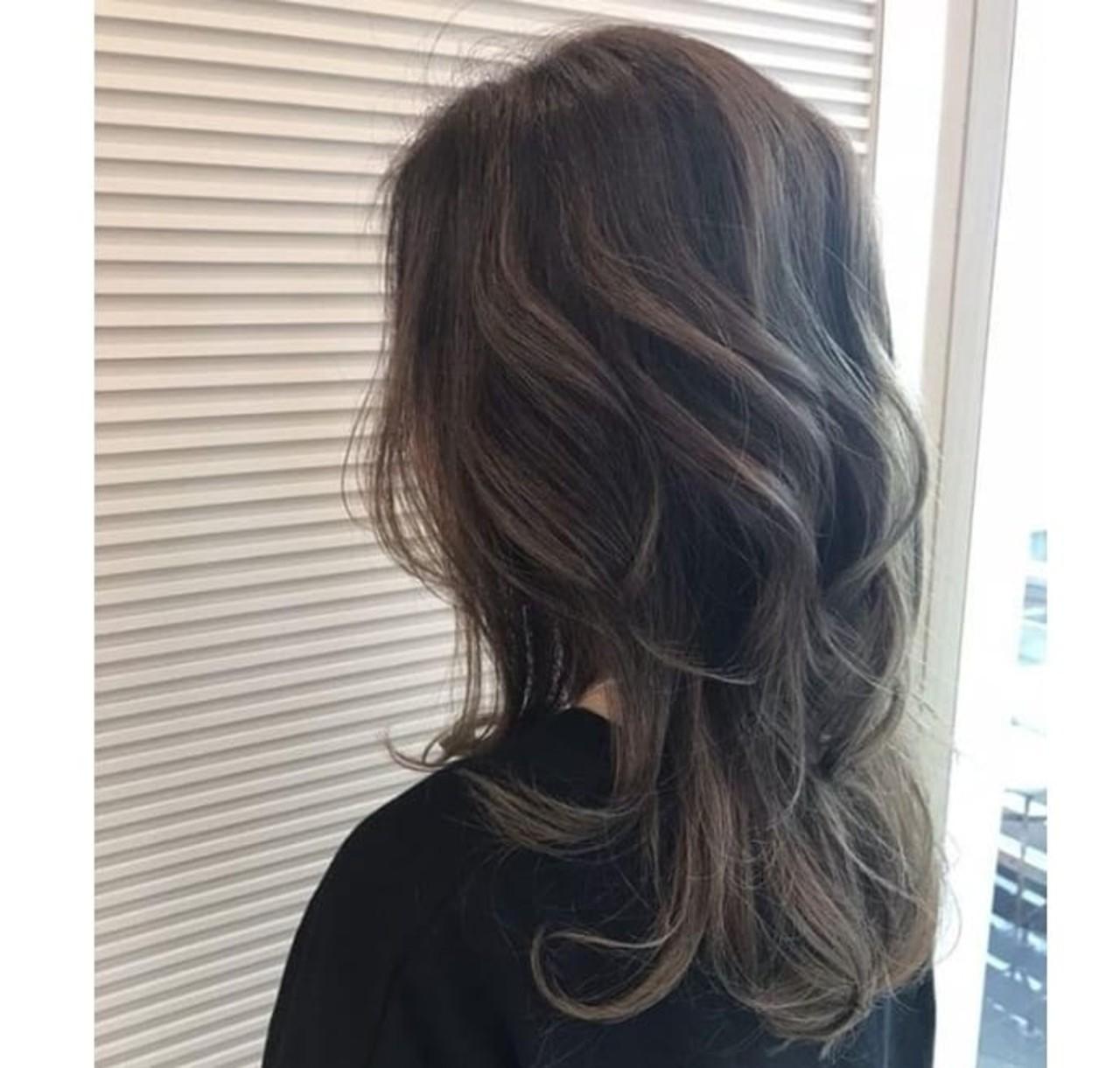 グレージュ アッシュグレージュ モード ヘアアレンジ ヘアスタイルや髪型の写真・画像 | Saori Kastuki / holic