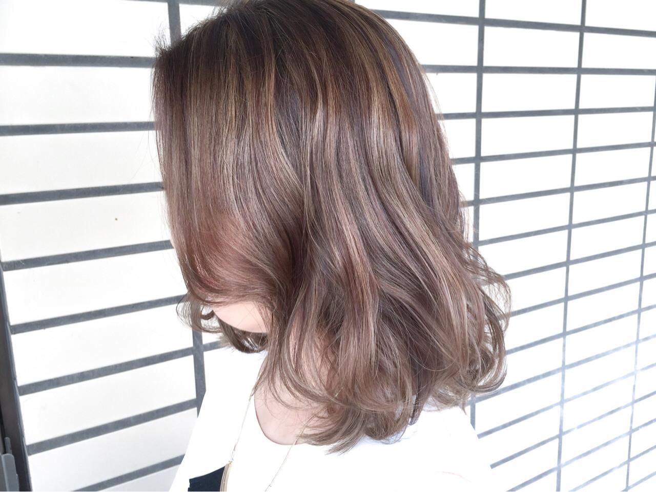ミディアムヘアの巻き方伝授♡コテとアイロンでゆるふわに仕上げるコツ 濱井 志織 / HairsalonF