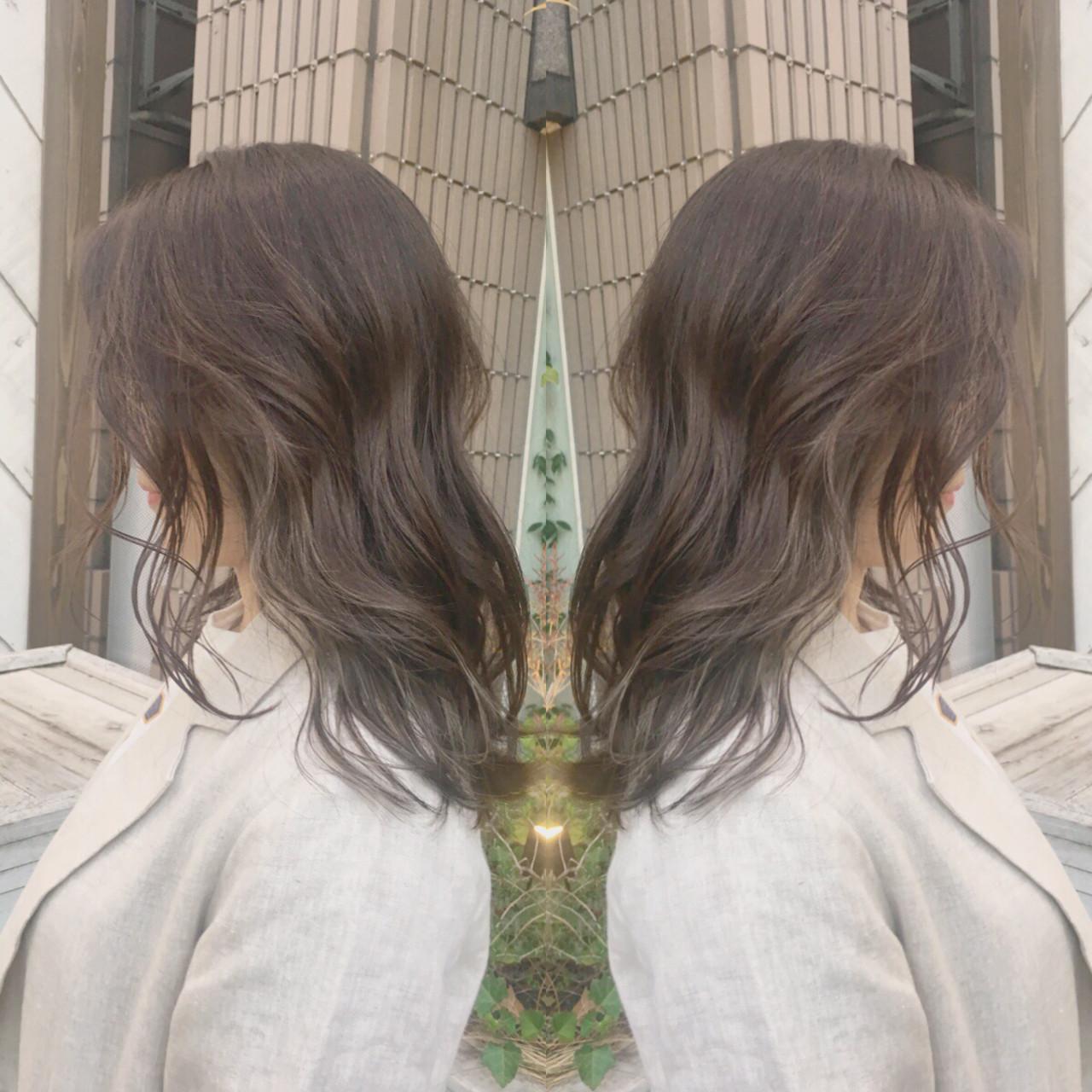 パーマ オフィス デート ミディアムヘアスタイルや髪型の写真・画像