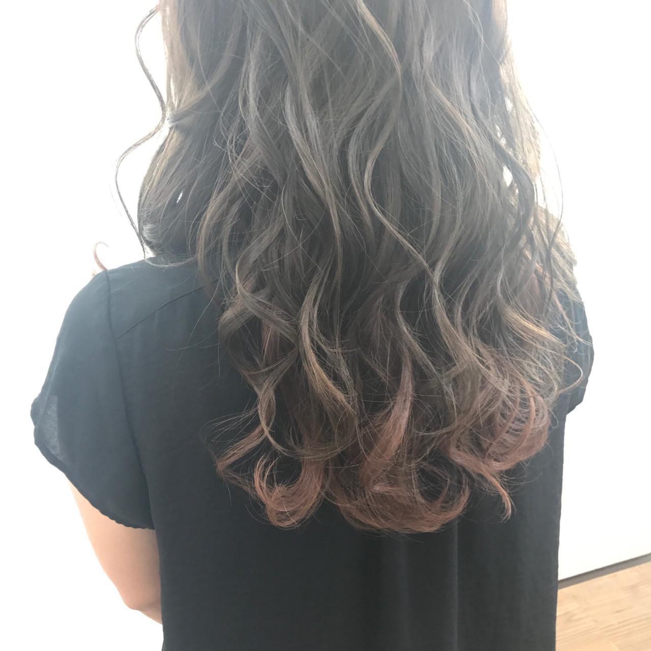 インナーカラー 秋 ナチュラル 大人かわいい ヘアスタイルや髪型の写真・画像 | ISHIKAWA TORU / Hair Salon GREENROOM