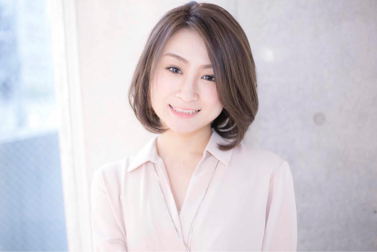 大人女子 パーマ コンサバ オフィス ヘアスタイルや髪型の写真・画像 | 比嘉春之 / RUMOR(ルモア)