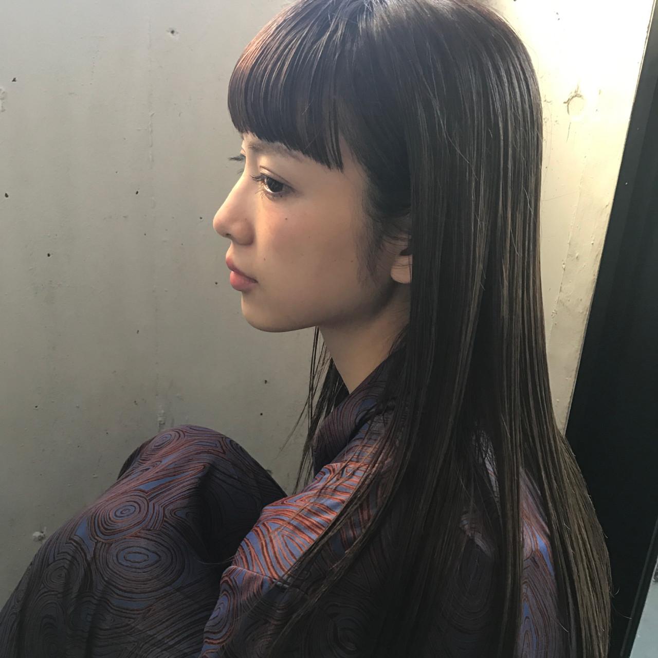 デート アッシュ 前髪あり 透明感 ヘアスタイルや髪型の写真・画像 | 小西敬二郎 / Heartim
