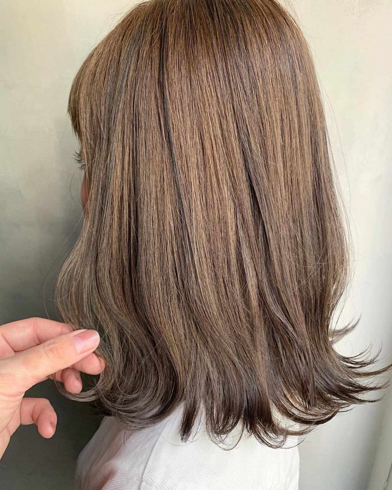 ローライト スモーキーアッシュベージュ 波ウェーブ アッシュベージュ ヘアスタイルや髪型の写真・画像 | MORNING.miya/@1031miya / HAIR MORNING.