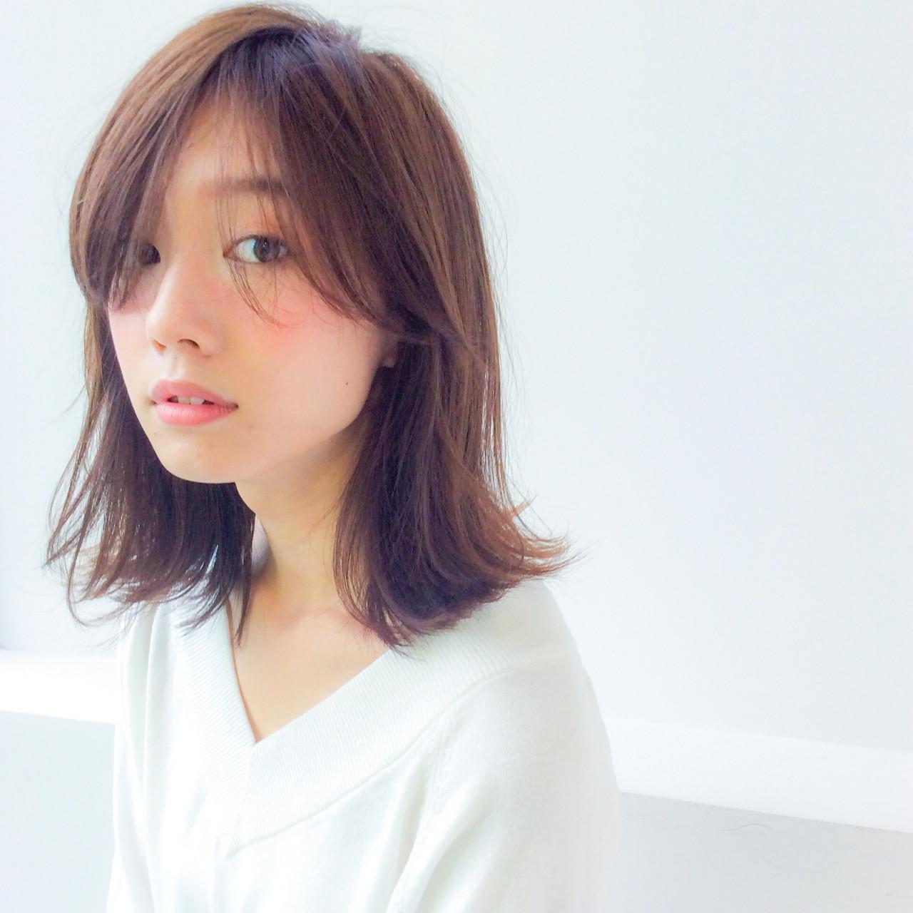 鎖骨で魅せる女らしさ。ファッション×ヘアスタイルで最大限の魅力を。 細田真吾 / Grow