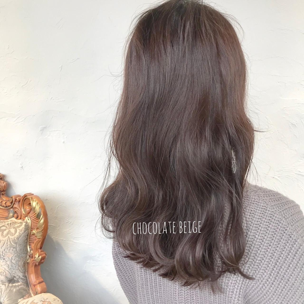 ミルクティーベージュ ブルーアッシュ セミロング ショコラブラウンヘアスタイルや髪型の写真・画像