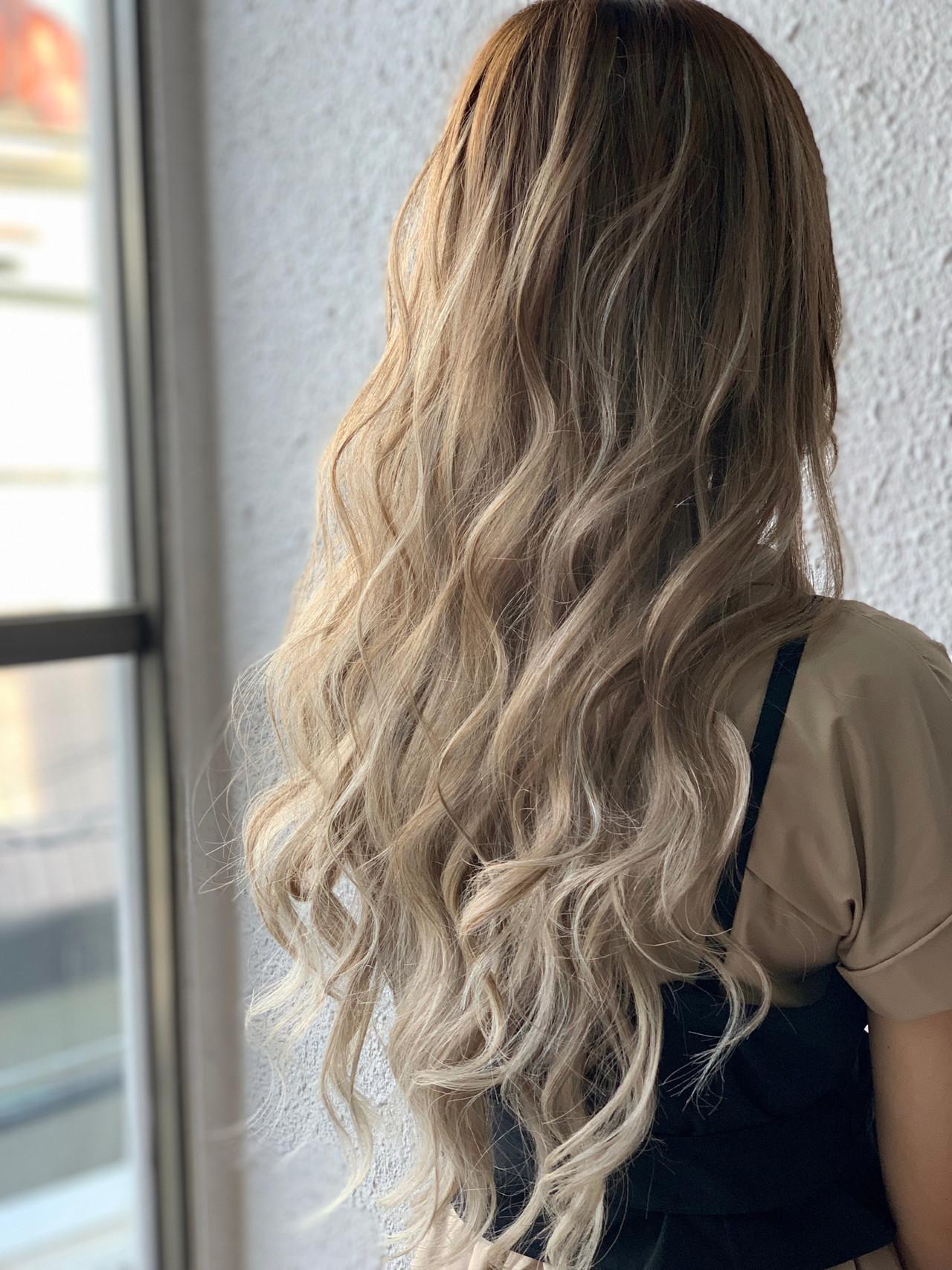 ロング ストリート バレイヤージュ 外国人風カラー ヘアスタイルや髪型の写真・画像 | 島川令 / エクステ専門店R