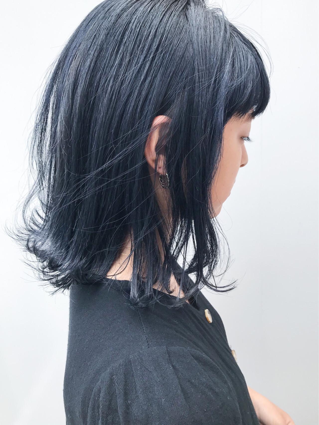 ブルーブラック デート 外ハネ ミディアム ヘアスタイルや髪型の写真・画像   HIROKI / roijir / roijir