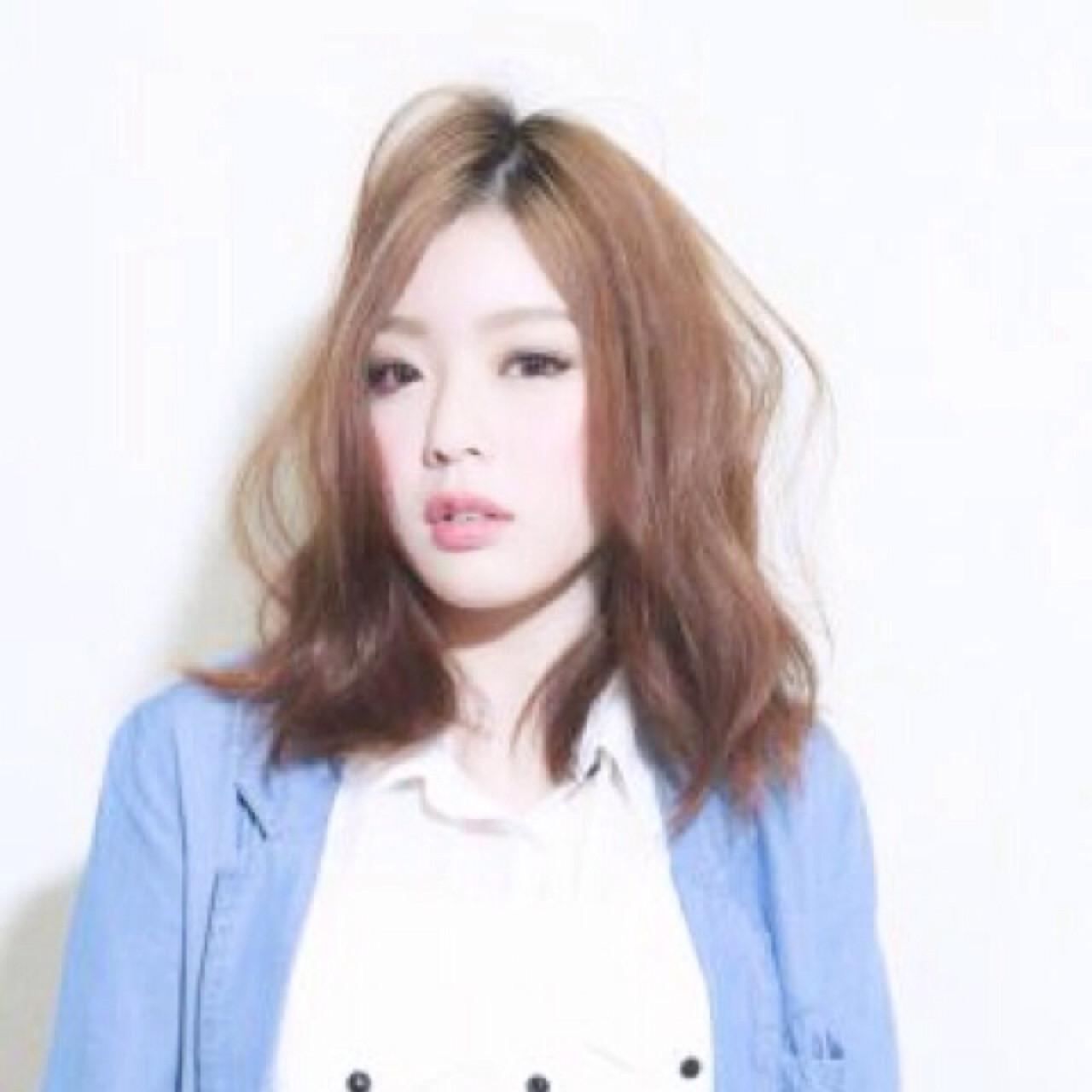 セミロング ゆるふわ 大人かわいい パーマ ヘアスタイルや髪型の写真・画像 | 河津 康広 / Rever hairmake (リバー)