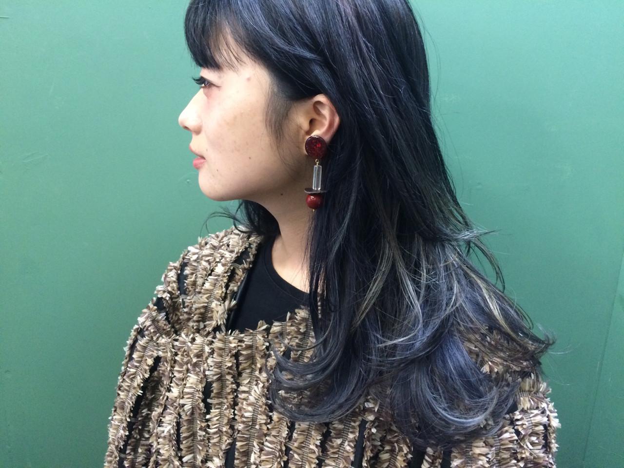 ウルフカット ハイライト ロング 黒髪 ヘアスタイルや髪型の写真・画像   natsuki / seek