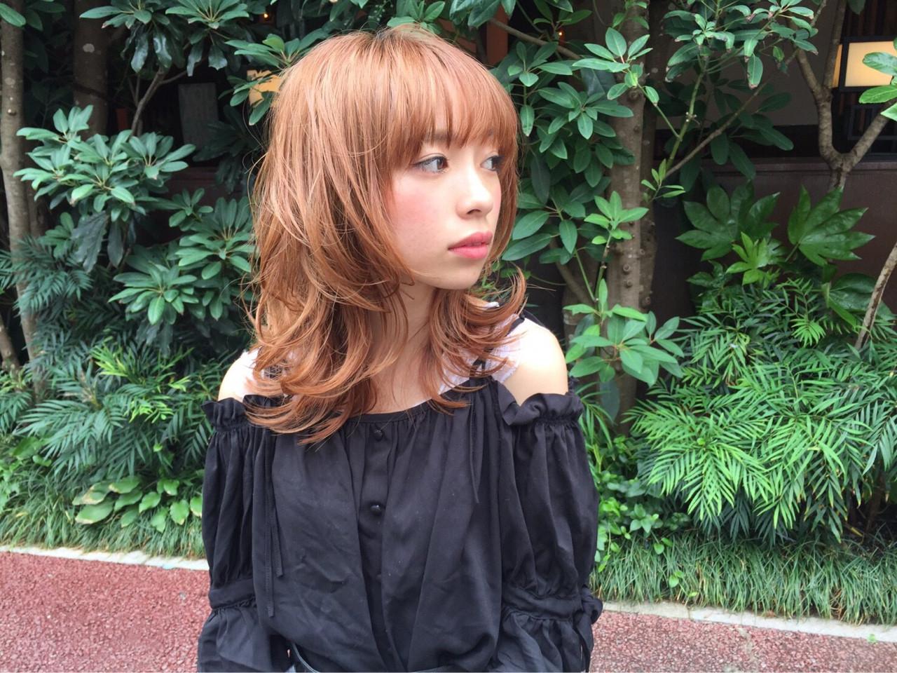 外ハネ ハイライト ヘアアレンジ ミディアム ヘアスタイルや髪型の写真・画像 | ひろみ /