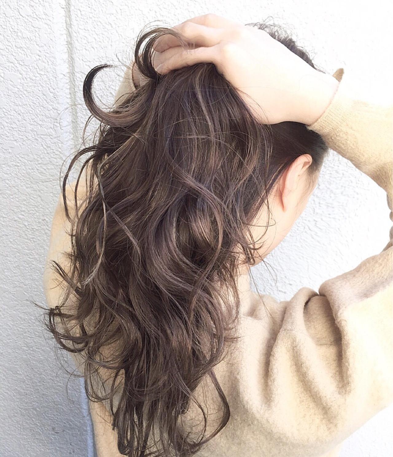 外国人風 ブラウン 暗髪 ハイライト ヘアスタイルや髪型の写真・画像   落合 健二 / hair ales