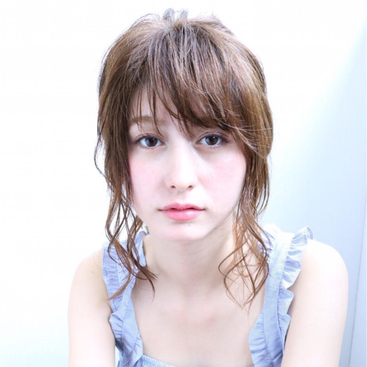 ナチュラル リラックス ヘアアレンジ デート ヘアスタイルや髪型の写真・画像 | 岡田 有希 / Neolive caff