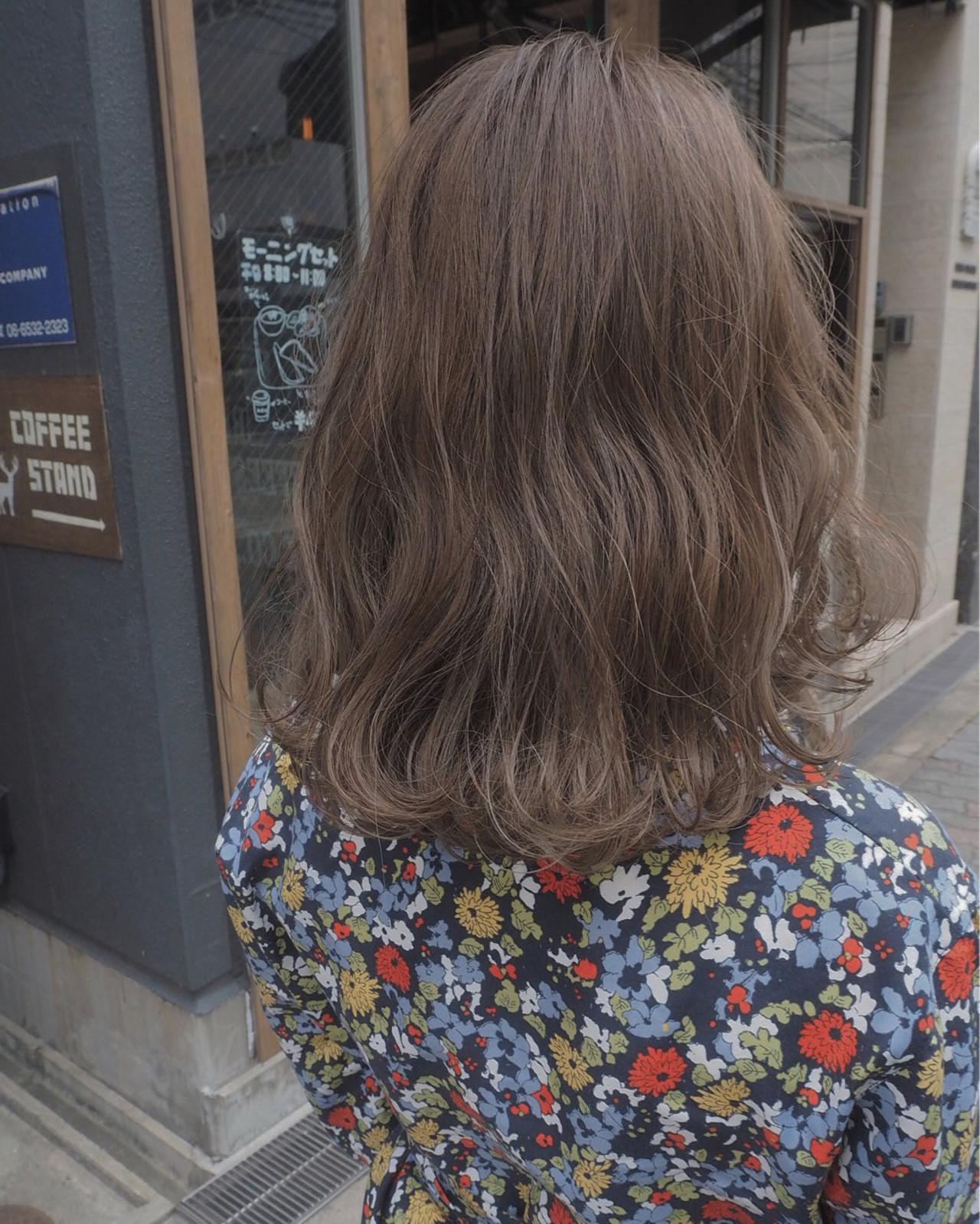 ミディアム イルミナカラー アンニュイ デート ヘアスタイルや髪型の写真・画像 | 宮迫 真美 / airfeel