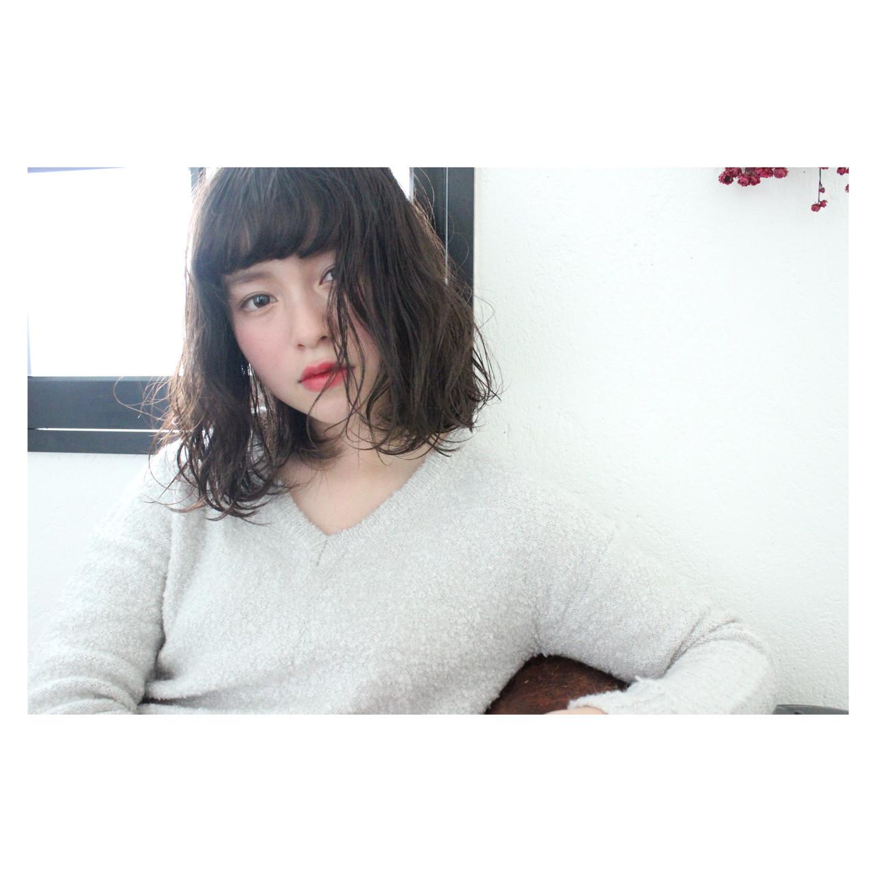 こなれ感 色気 大人女子 ニュアンスヘアスタイルや髪型の写真・画像