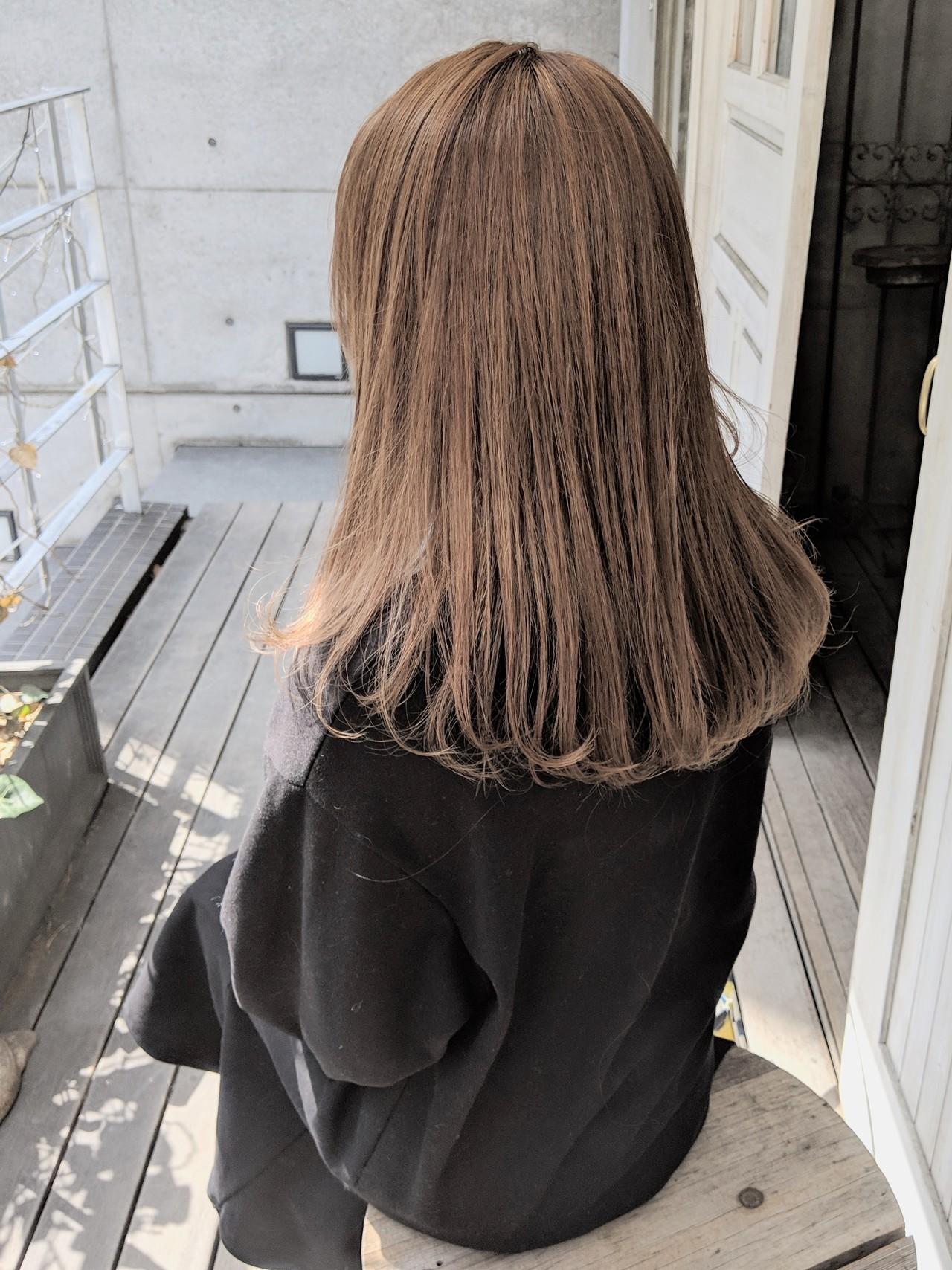 ハイトーン ミルクティーベージュ ヘアアレンジ ダブルカラー ヘアスタイルや髪型の写真・画像 | HIFUMI / möwen
