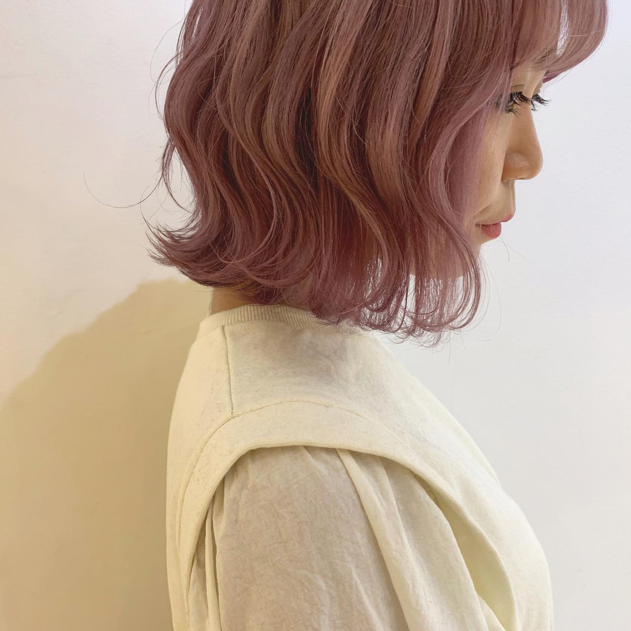 ピンクベージュ ハイトーンカラー フェミニン ボブ ヘアスタイルや髪型の写真・画像 | 倉林 洋美 / GOOD DAY HAIR