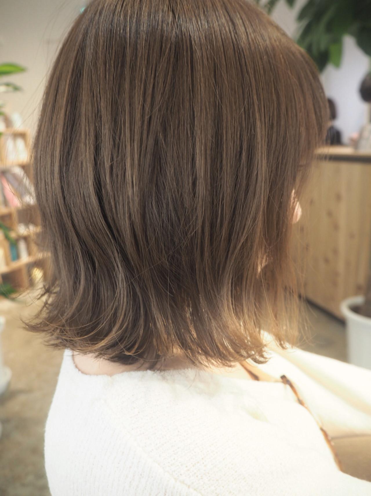 ナチュラル ボブ アッシュ グレージュ ヘアスタイルや髪型の写真・画像   TOKU / Mondshalna